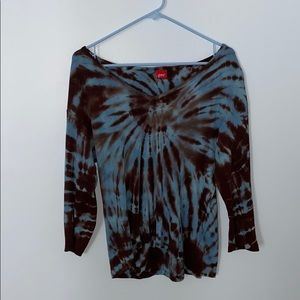thrifted tie dye long sleeve !